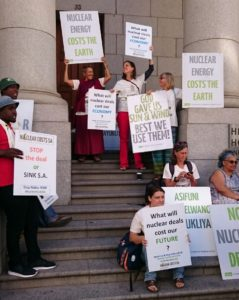 2016-12-13-anti-nuke-protest-outside-cape-town-high-court
